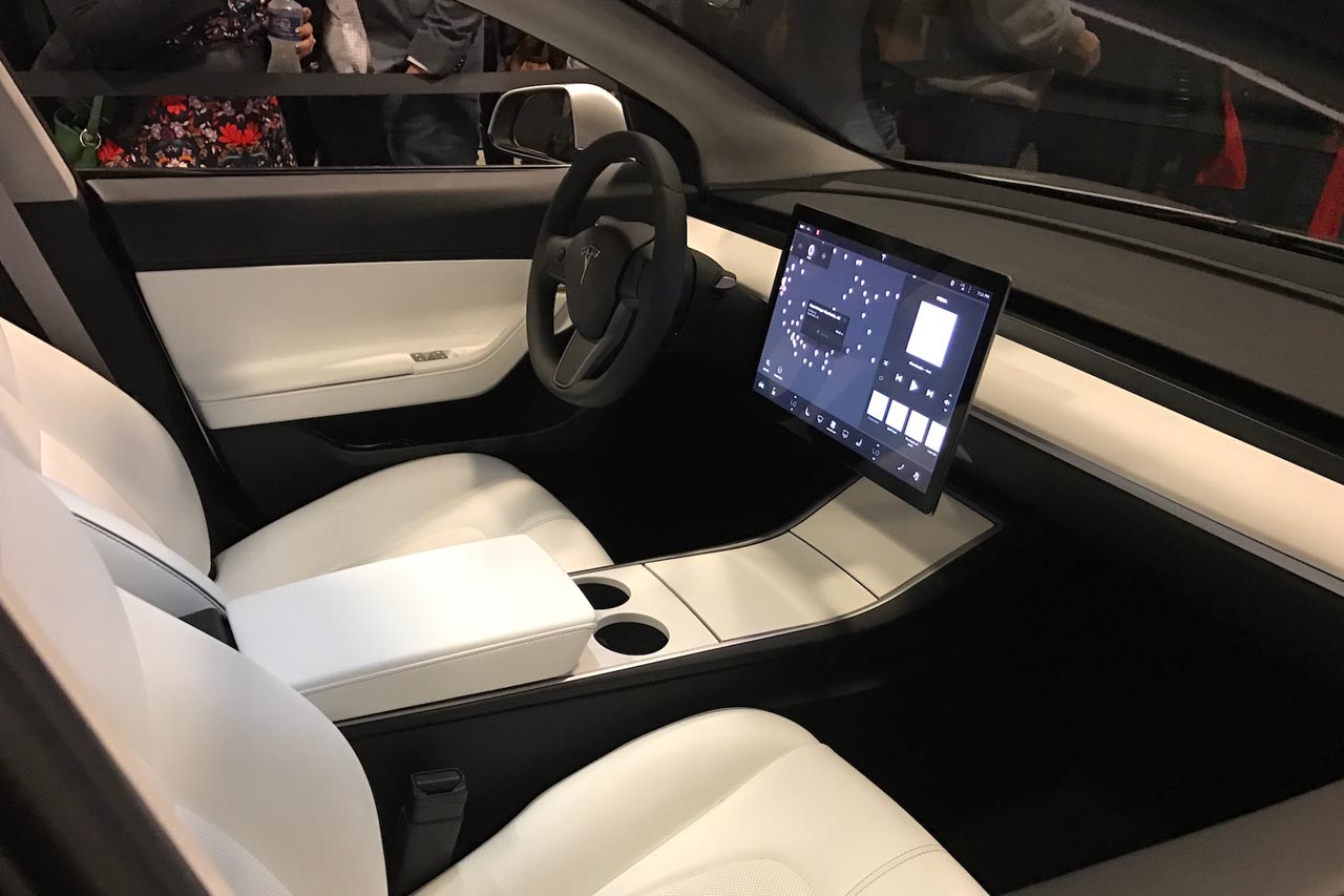 Wit interieur model 3 tesla model 3 for Interieur tesla model s